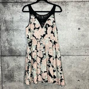 Minkpink | Soft Floral Dress with Lace Detail
